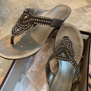 Women's Sandal, grayish silver tone